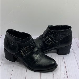 Two Lips black leather ribbon cut boots